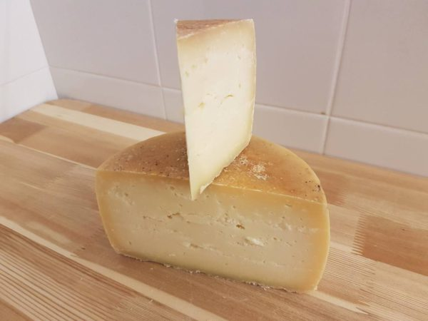 Сыр Качотта Deutches Haus