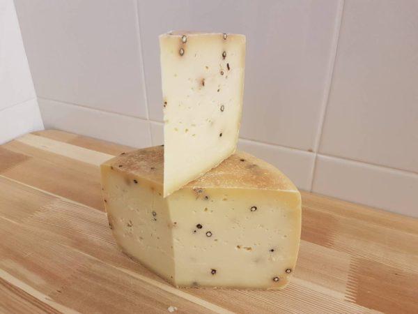 Сыр Качотта с перцем Deutches Haus