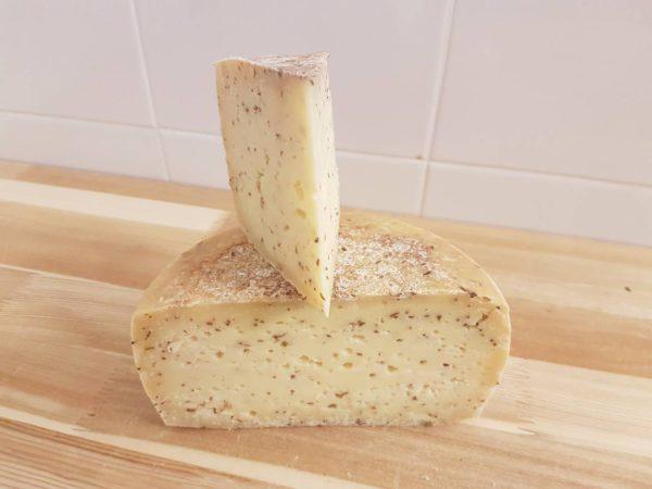 Сыр Качотта с тмином Deutches Haus